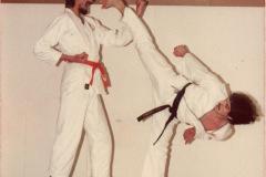 Sidekick-gegen-einen-Zweimetermann